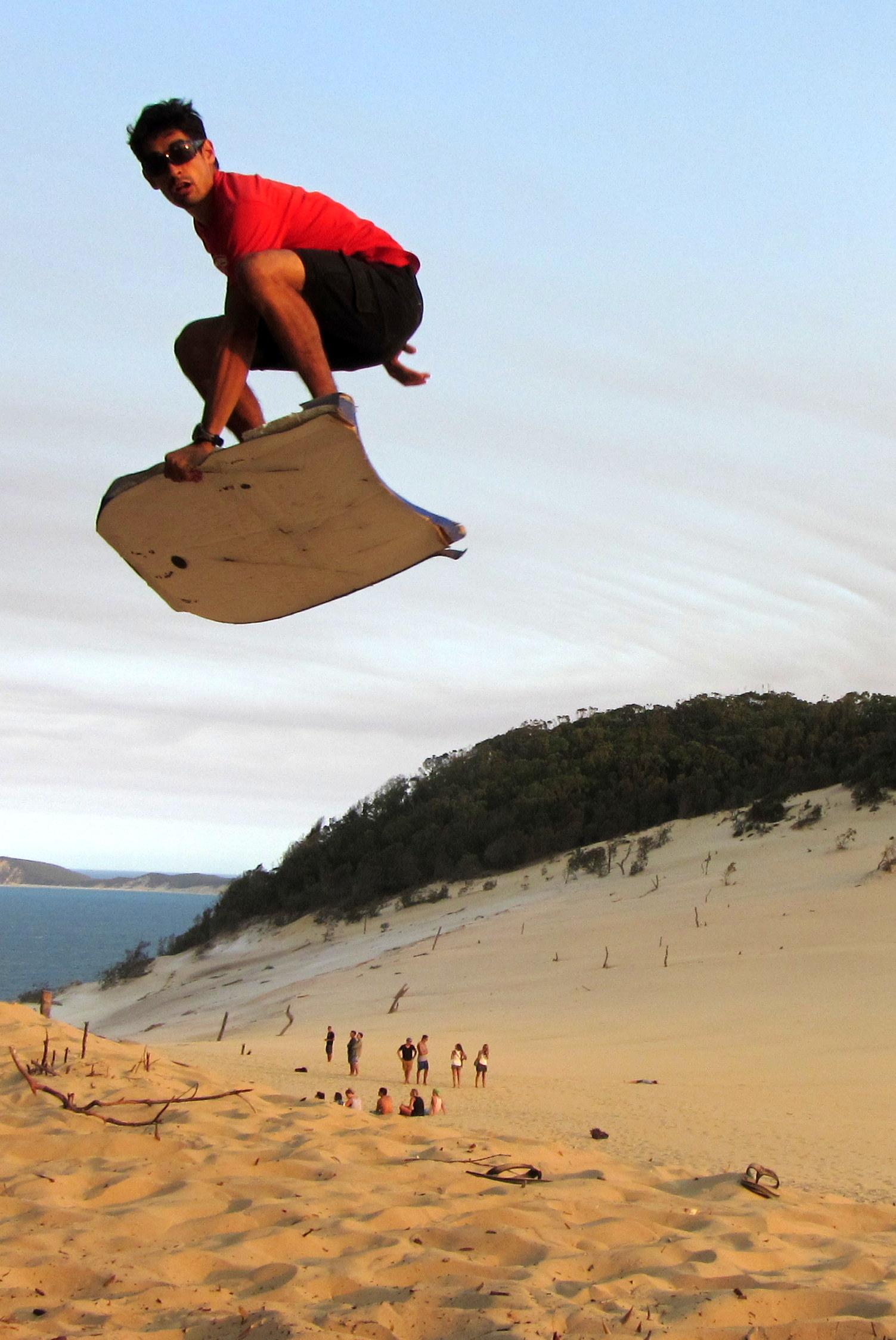 Sandboarding_sand Blow_rainbow Beach_julien Diot_worldtour Outdoorexperience